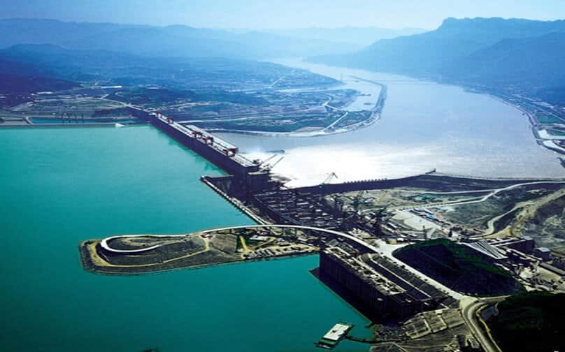 Three Gorges hydroelectric power plant in China, currently the largest (18,300 MW, target power 22,500 MW).